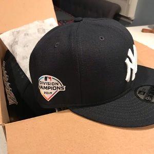 New era snap back Yankee cap